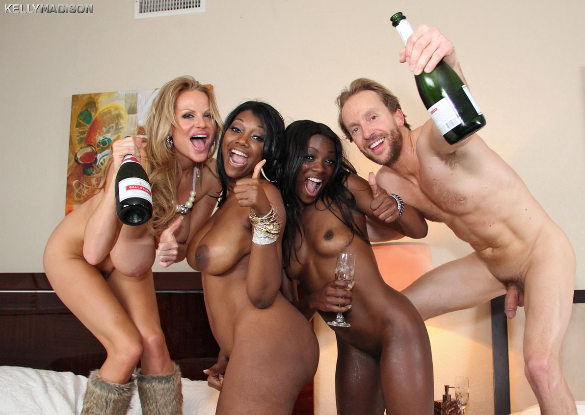 Nyomi has some fun with 2 white girl